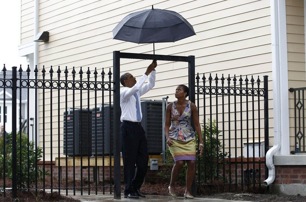 YouTube - Barack Obama Hillary Clinton - Umbrella