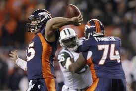 Tebow throwing